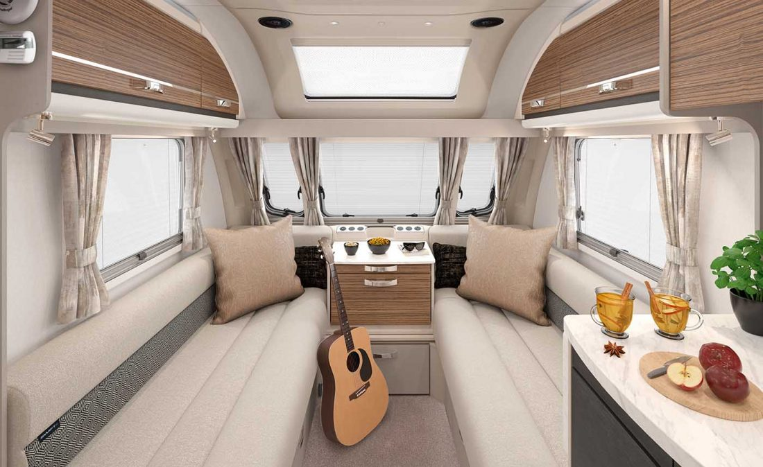 [INT]-Eccles-645-Front-Lounge-[SWIFT]